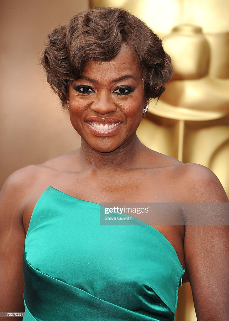 Viola Davis arrives at the 86th Annual Academy Awards at Hollywood & Highland Center on March 2, 2014 in Hollywood, California.