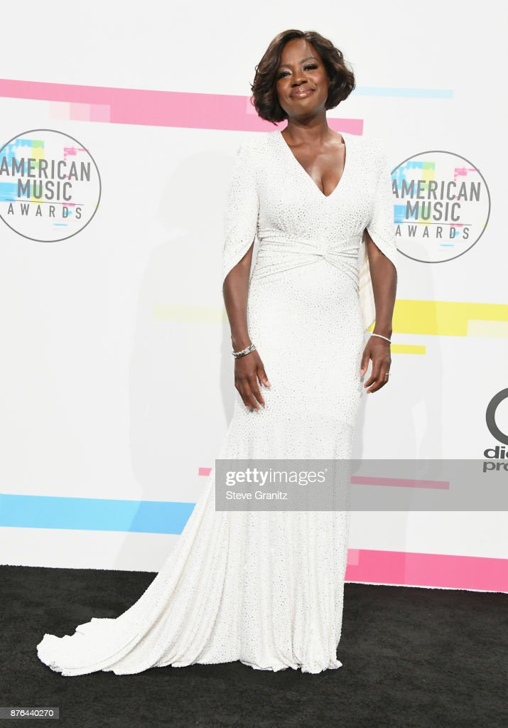 Viola Davis poses in the press room during the 2017 American Music Awards at Microsoft Theater on November 19, 2017 in Los Angeles, California.