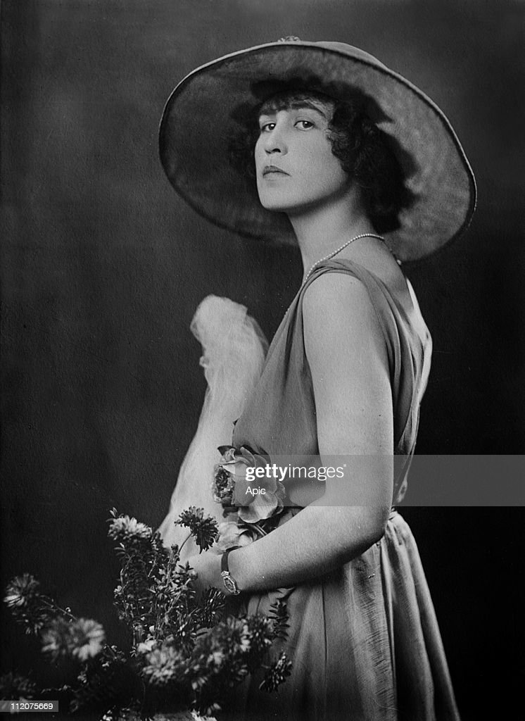 Violette Selfridge, viscountess of Sibour c. 1925.
