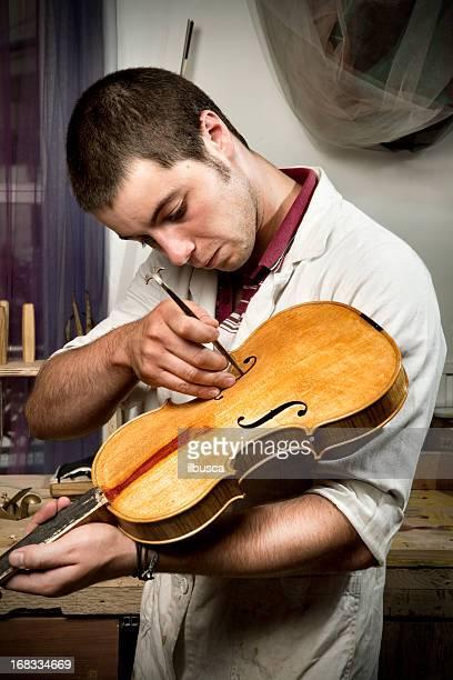 Violine Kaffeemaschine, Porträt