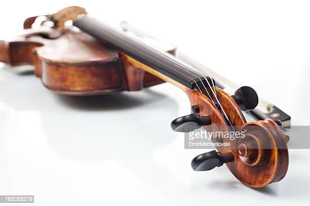 Violine mit Schleife