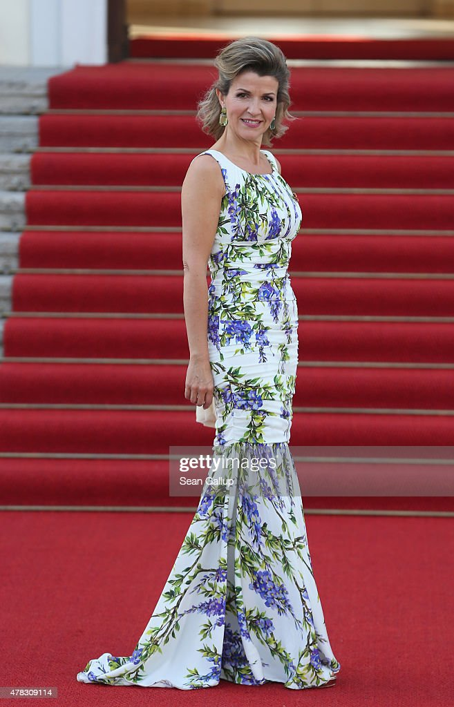 Violinist <a gi-track='captionPersonalityLinkClicked' href=/galleries/search?phrase=Anne-Sophie+Mutter&family=editorial&specificpeople=784120 ng-click='$event.stopPropagation()'>Anne-Sophie Mutter</a> arrives for the state banquet in honour of Queen Elizabeth II at Schloss Bellevue palace on the second of the royal couple's four-day visit to Germany on June 24, 2015 in Berlin, Germany. The Queen and Prince Philip are scheduled to visit Berlin, Frankfurt and the concentration camp memorial at Bergen-Belsen during their trip, which is their first to Germany since 2004.
