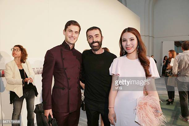 Violinist Charlie Siem Giambattista Valli fashion and technology investor Wendy Yu attend the Giambattista Valli Haute Couture Fall/Winter 20162017...