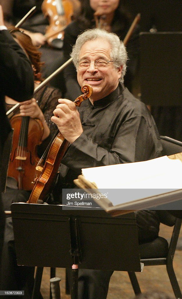 Violinist Itzhak Perlman attends the New York Philharmonic 171st Season Opening Night Gala at Avery Fisher Hall at Lincoln Center for the Performing Arts on September 27, 2012 in New York City.