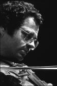 Violinist Itzhak Perlman rehearsing