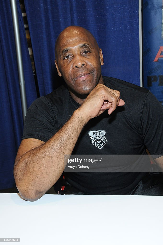 <a gi-track='captionPersonalityLinkClicked' href=/galleries/search?phrase=Virgil&family=editorial&specificpeople=78328 ng-click='$event.stopPropagation()'>Virgil</a> signs autographs at WonderCon 2012 - Day 1 at Anaheim Convention Center on March 17, 2012 in Anaheim, California.