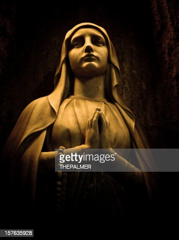 virgin statue in barcelona cathedral