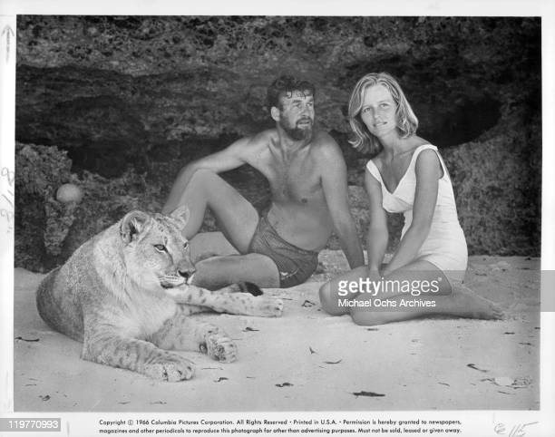 Virginia McKenna and Bill Travers in a scene from the film 'Born Free' 1966