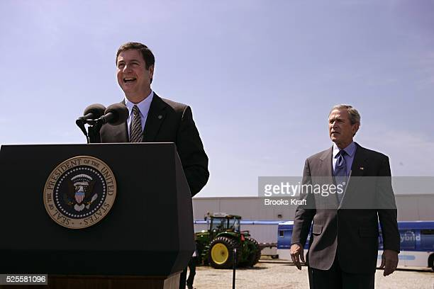 Virginia Senator George Allen introduces US President George W Bush at the Virginia Biodiesel Refinery in West Point Virginia May 16 2005 Senator...