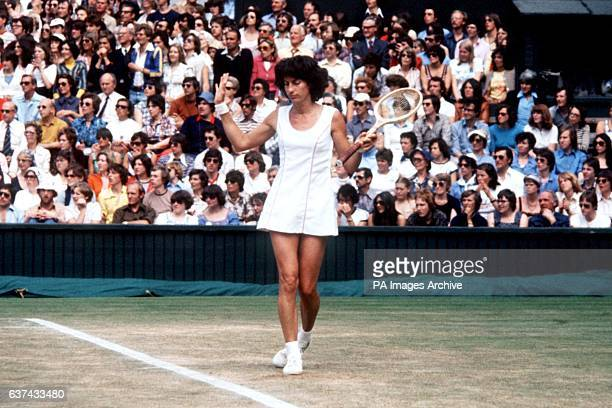 Virginia Wade shrugs her shoulders following a decision during her match with Chris Evert