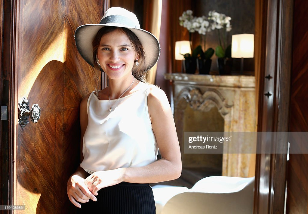 <a gi-track='captionPersonalityLinkClicked' href=/galleries/search?phrase=Virginie+Ledoyen&family=editorial&specificpeople=206954 ng-click='$event.stopPropagation()'>Virginie Ledoyen</a> attends Chopard Photocall during the 70th Venice International Film Festival at Palazzo del Casino on September 3, 2013 in Venice, Italy.