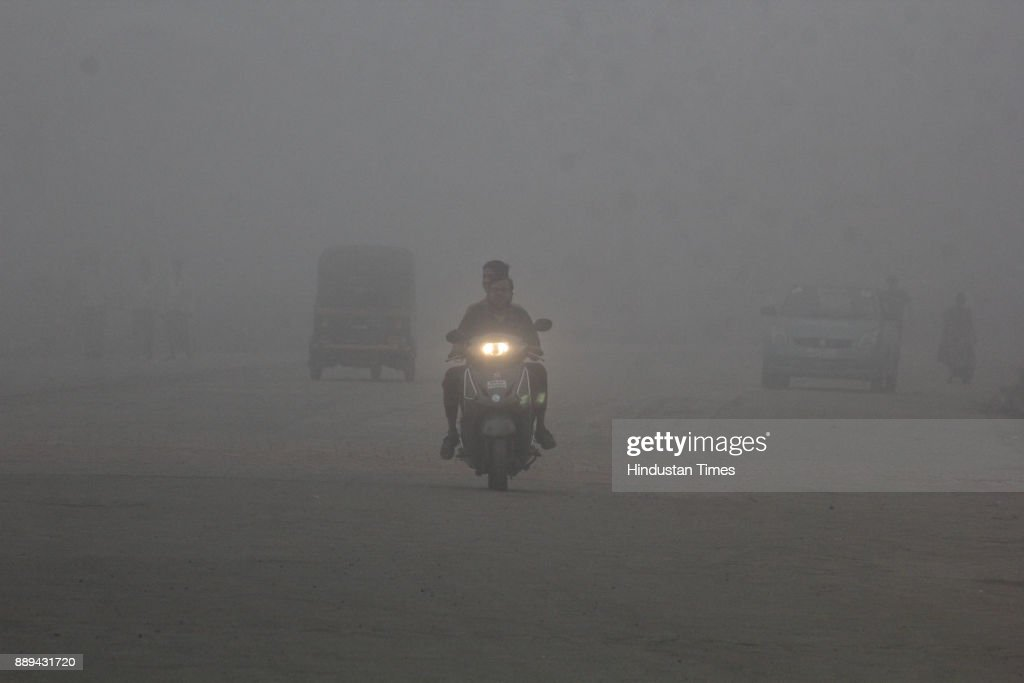 Dense Haze Layer Envelopes Mumbai, Keeps Visibility Low