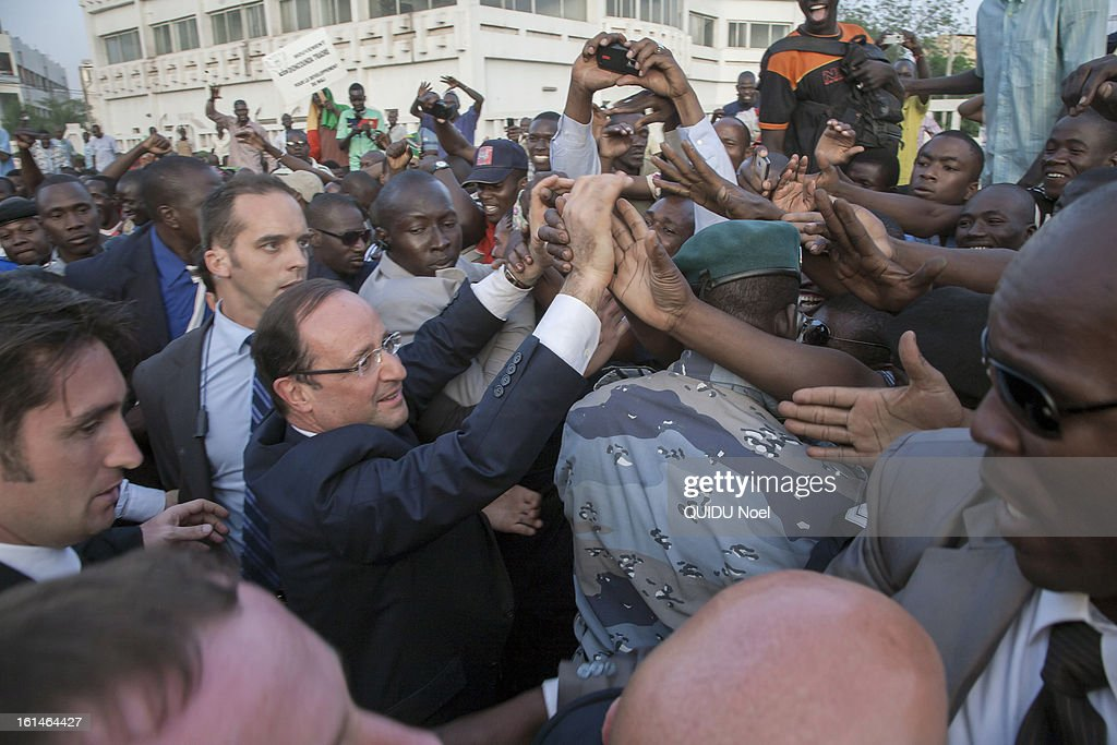 visit of the French President Francois Hollande in Mali 22 days after the beginging of the Serval Operation by the french Army against islamists, Francois Hollande felicity by the crowd on the Independance Place in of Bamako on February 2, 2013.