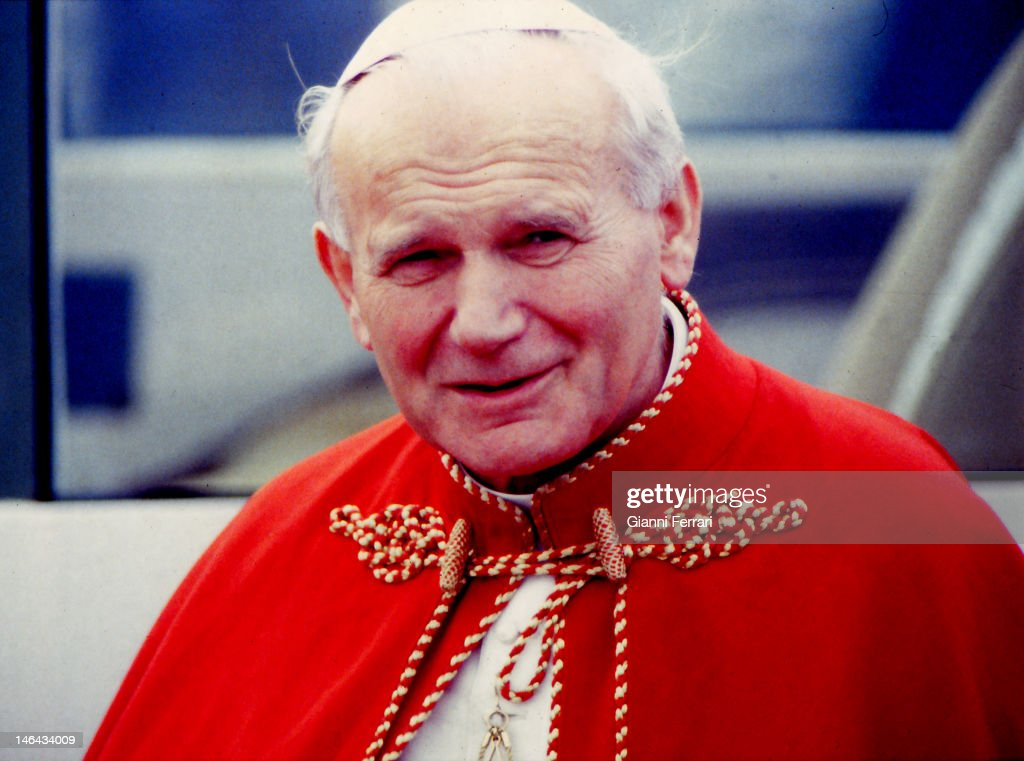 Visit of the Pope <b>John Paul</b> II to Santiago de Compostela, 9th November 1982, - visit-of-the-pope-john-paul-ii-to-santiago-de-compostela-9th-november-picture-id146434009
