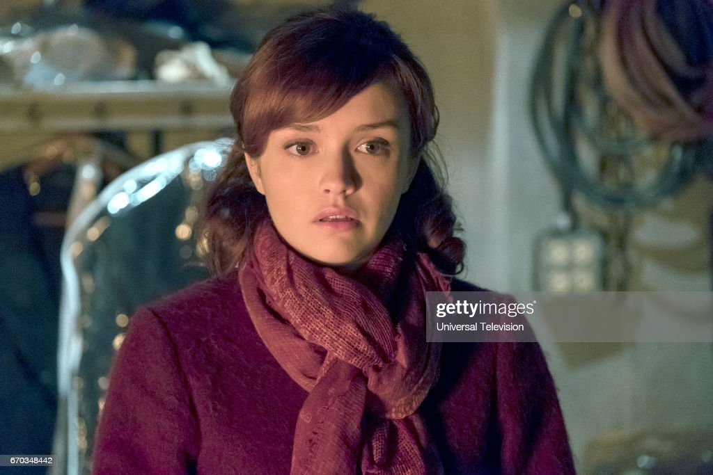 MOTEL -- 'Visiting Hours' Episode 509 -- Pictured: Olivia Cooke as Emma Decody --