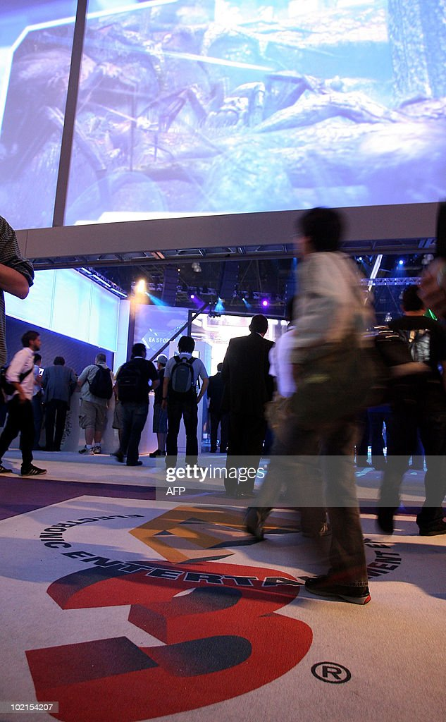 Visitors arrive at the 2010 E3 Expo in Los Angeles, on June 16, 2010. Typically a stage for new blockbuster titles, the Electronic Entertainment Expo (E3) this year will also be an arena where Sony, Microsoft and Nintendo duel with motion-sensing controls for rival PlayStation 3, Xbox 360, and Wii consoles.