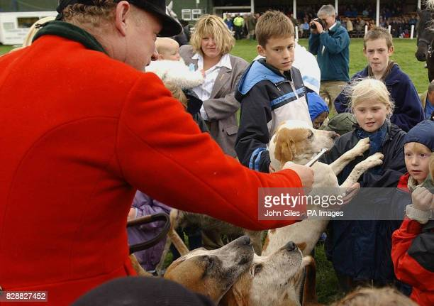 Visitors to the Nidderdale Show at Pateley Bridge in September where they had the opportunity to talks with Huntsmen and meet the hounds Prohunting...