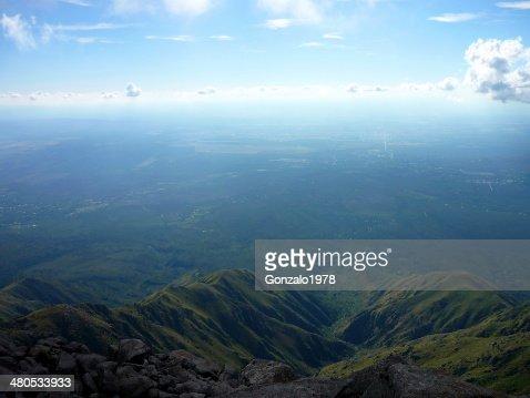 vista superior de un valle : Stock Photo