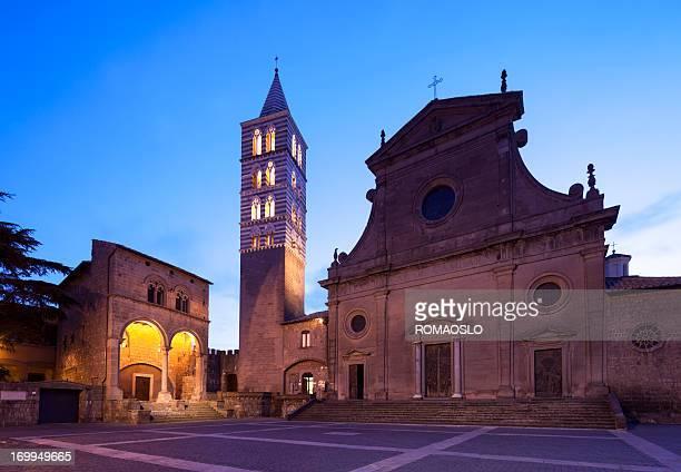 Viterbo Cattedrale di notte, Lazio Italia