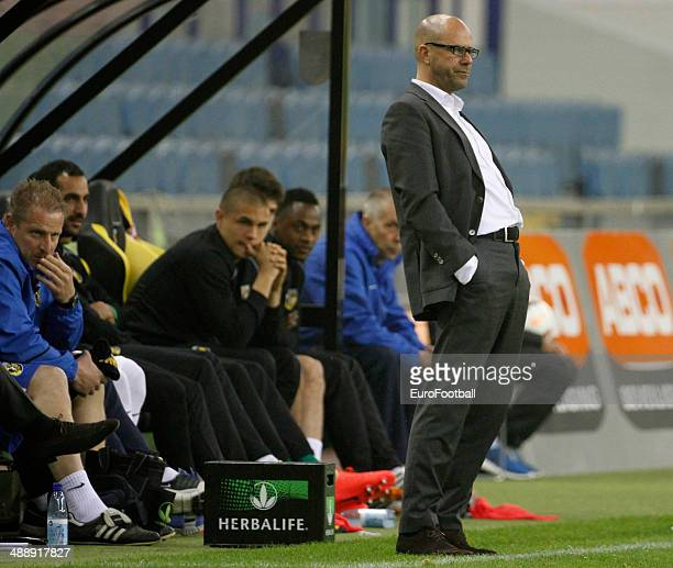Vitesse Arnhem head coach Peter Bosz during the Dutch Eredivisie match between Vitesse Arnhem and Go Ahead Eagles at GelreDome on April 27 2014 in...