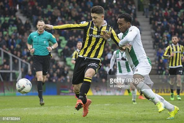 Vitesse Milot Rashica of Vitesse Lorenzo Burnet of FC Groningen during the Dutch Eredivisie match between FC Groningen and Vitesse Arnhem at Euroborg...
