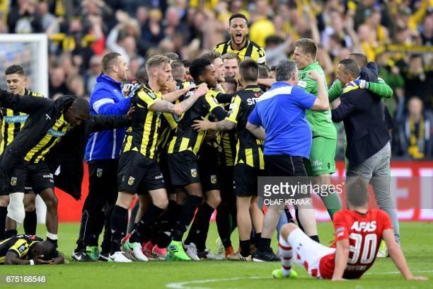 Vitesse's players celebrate after winning the Dutch Cup final football match against AZ Alkmaar in Rotterdam on April 30 2017 / AFP PHOTO / ANP /...