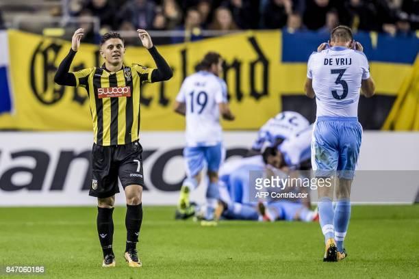 Vitesse's speler Milot Rashica reacts as Lazio players celebrate a goal during the UEFA Europa League Group K football between Vitesse Arnhem and SS...