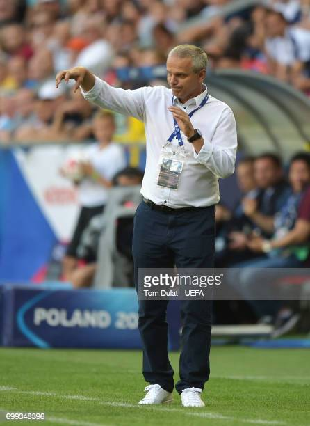 Vitezslav Lavicka coach of Czech Republic gives his team instructions during the UEFA European Under21 Championship Group C match between Czech...
