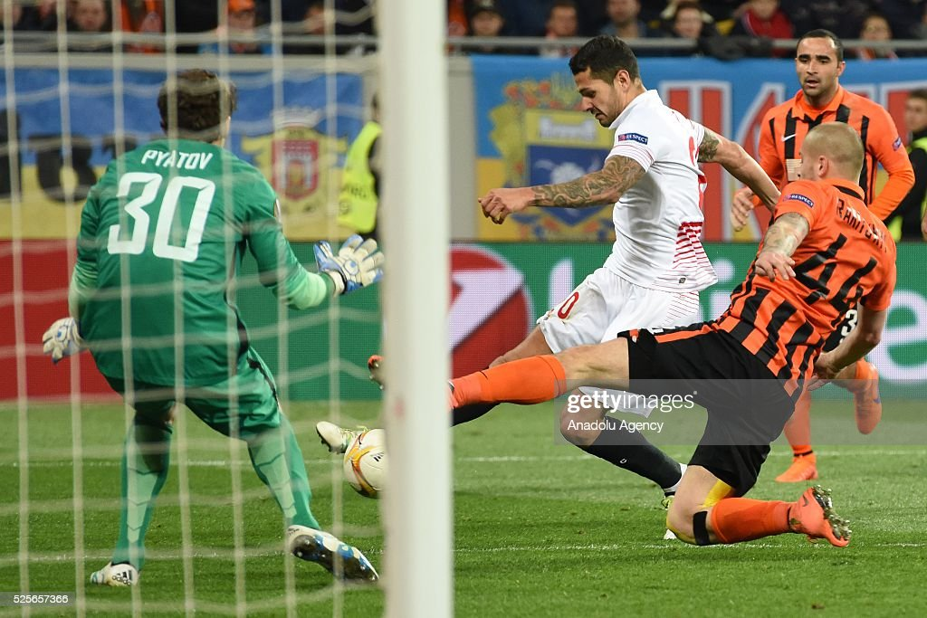 Vitolo of Sevilla FC (second left) competes for the ball with Yaroslav Rakitskiy (R) and Andriy Pyatov (L) of Shakhtar Donetsk during the UEFA Europa League Semi-finals soccer match between Shakhtar Donetsk and Sevilla FC at Lviv Arena stadium on April 28, 2016, in Lviv, Ukraine.
