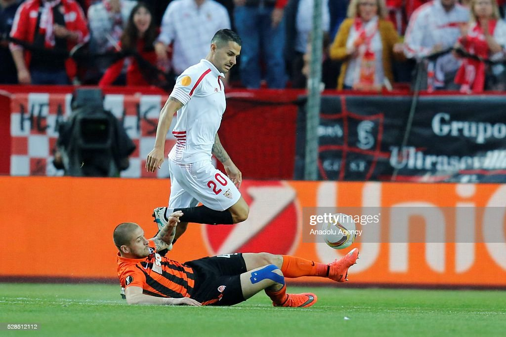 Vitolo of Sevilla in an action during the UEFA Europa League semi-final second leg football match between Sevilla and Shakhtar Donetsk at the Sanchez Pizjuan Stadium in Sevilla, Spain on May 5, 2016.