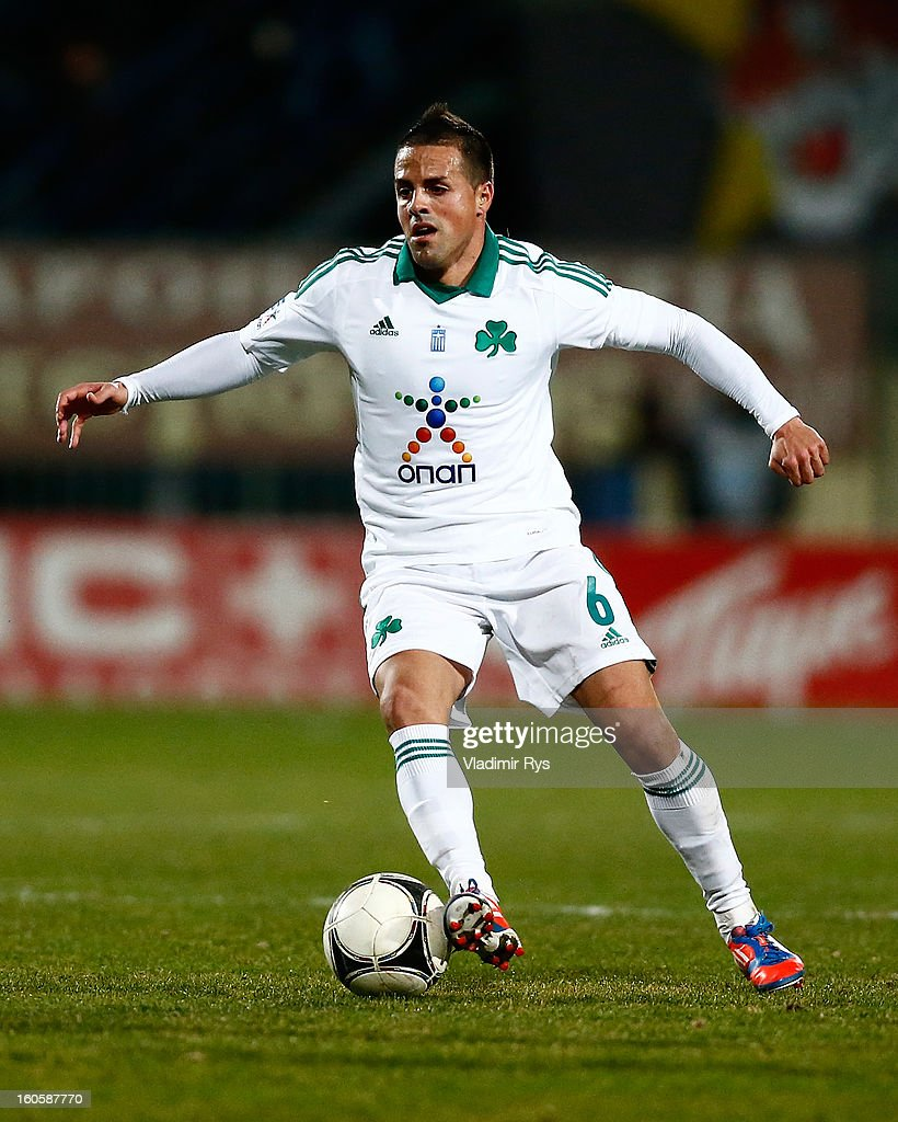 Vitoloof Panathinaikos controls the ball during the Superleague match between Asteras Tripolis and Panathinaikos FC at Asteras Tripolis Stadium on February 2, 2013 in Tripolis, Greece.
