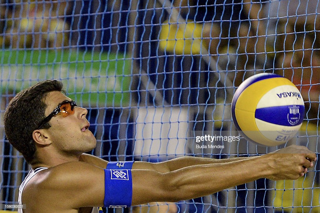 Vitor in action during a beach volleyball match as part of the 6th stage of the season 2012/2013 Circuit Bank of Brazil at Copacabana Beach on December 08, 2012 in Rio de Janeiro, Brazil.
