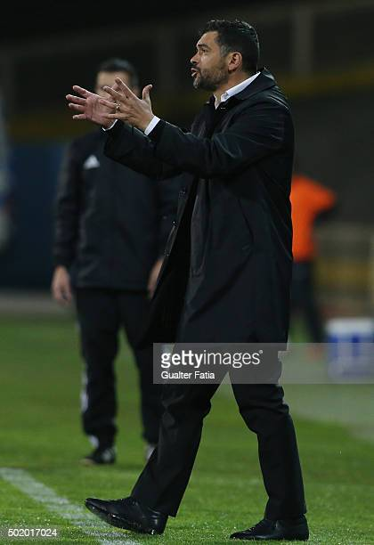 Vitoria de Guimaraes's coach Sergio Conceicao in action during the Primeira Liga match between GD Estoril Praia and Vitoria de Guimaraes at Estadio...