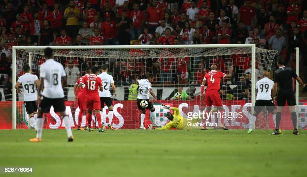 Vitoria Guimaraes forward Paolo Hurtado from Peru misses goal opportunity during the SuperTaca match between SL Benfica and Vitoria Guimaraes at...
