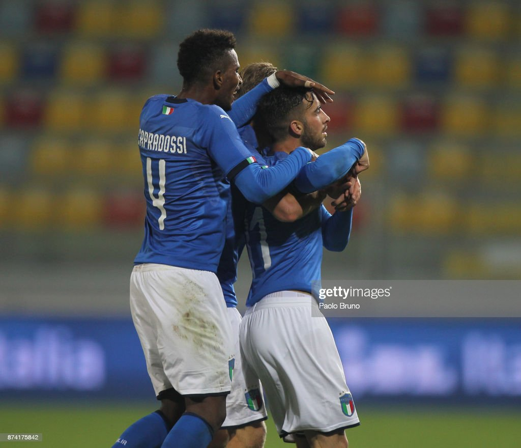 Vittorio Parigini with his teammates of Italy celebrates after scoring the team's second goal during the international friendly match between Italy U21 and Russia U21 on November 14, 2017 in Frosinone, Italy.