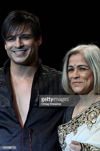Vivek Oberoi Yashodhara Oberoi walk the runway in a Gitanjali design at the India International Jewellery Week 2012 Day 1 at the Grand Hyatt on on...