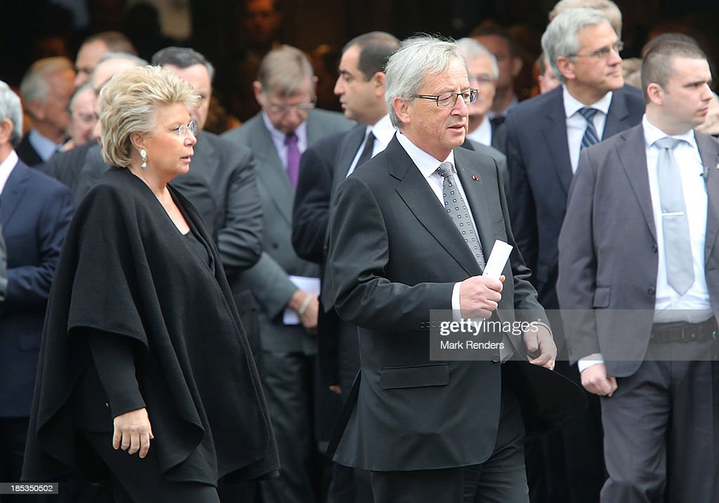 <a gi-track='captionPersonalityLinkClicked' href=/galleries/search?phrase=Viviane+Reding&family=editorial&specificpeople=240083 ng-click='$event.stopPropagation()'>Viviane Reding</a> and Luxembourg Prime Minister Claude Juncker attend the State Funeral of the late Belgian Prime Minister Wilfried Martens at Sint Baafs Kathedraal on October 19, 2013 in Ghent, Belgium.