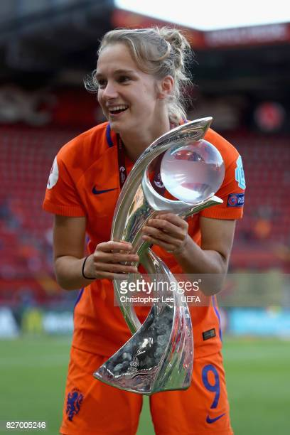 Vivianne Miedema of the Netherlands celebrates with the trophy following the Final of the UEFA Women's Euro 2017 between Netherlands v Denmark at FC...