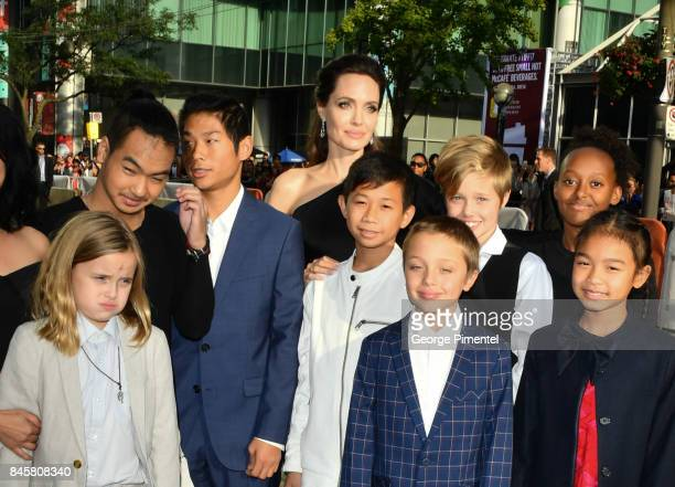 Vivienne JoliePitt Maddox JoliePitt Pax JoliePitt Kimhak Mun Knox JoliePitt Shiloh JoliePitt Angelina Jolie Zahara JoliePitt and Sareum Srey Moch...