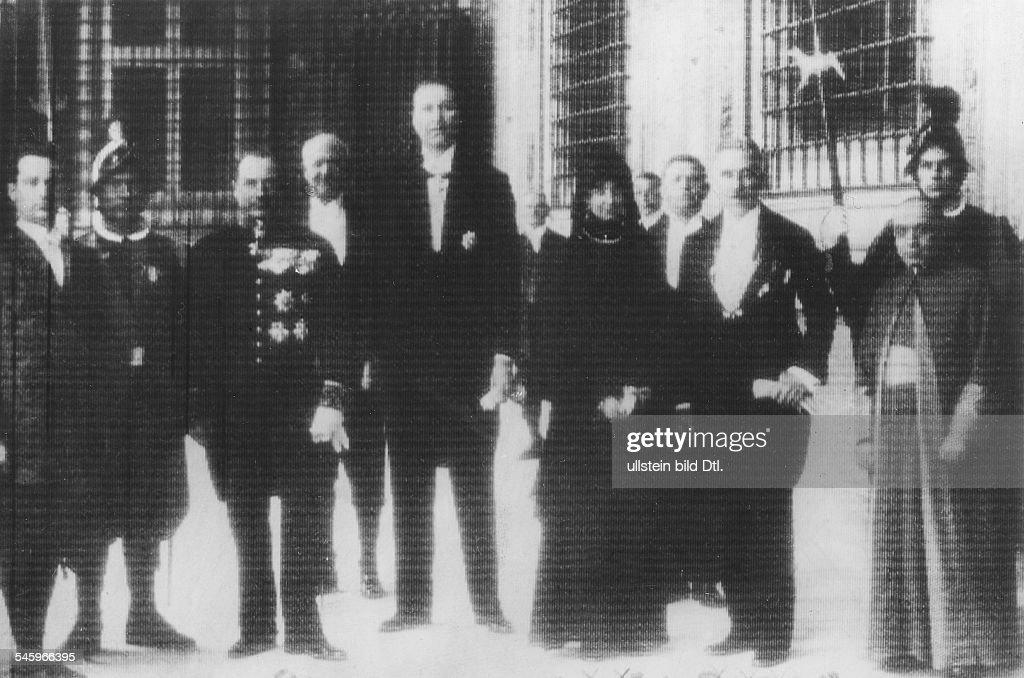 Vizekanzler Franz v. Papen mit seinerEhefrau Martha im Vatikan anlässlicheiner Audienz bei Papst Pius XI.