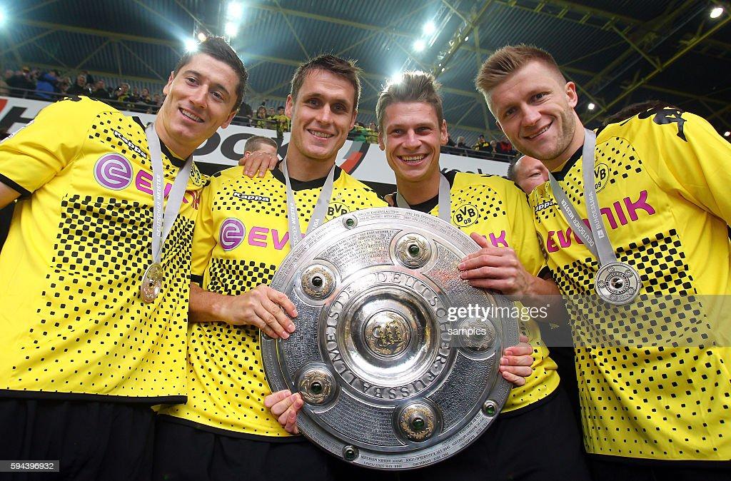 vl Robert Lewandowski Borussia Dortmund Sebastian Kehl Borussia Dortmund Lukasz Piszczek Borussia Dortmund und Jakub Blaszczykowski Kuba Borussia...