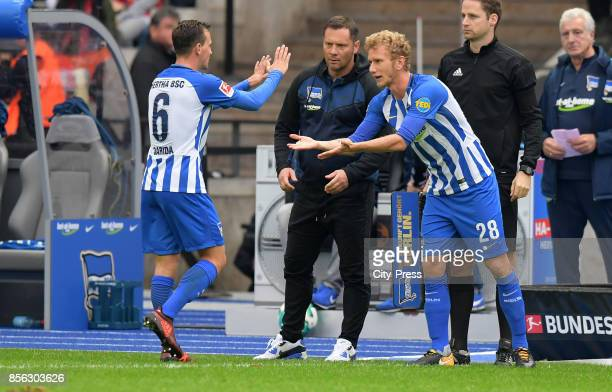 Vladimir Darida coach Pal Dardai and Fabian Lustenberger of Hertha BSC during the game between Hertha BSC and FC Bayern Muenchen on october 1 2017 in...
