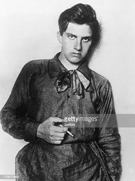 meyerhold and mayakovsky revolution and the Was playing at moscow's meyerhold theater, and the poet vladimir mayakovsky communist strategy of working for revolution from within the kmt.