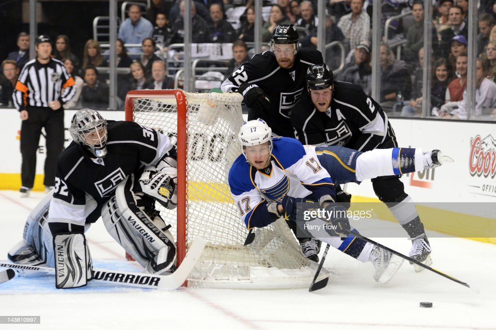 Vladimir Sobotka #17 of the St. Louis Blues moves the puck behinf the net in front of Matt Greene #2 of the Los Angeles Kings in the first period in Game Three of the Western Conference Semifinals during the 2012 NHL Stanley Cup Playoffs at Staples Center on May 3, 2012 in Los Angeles, California.