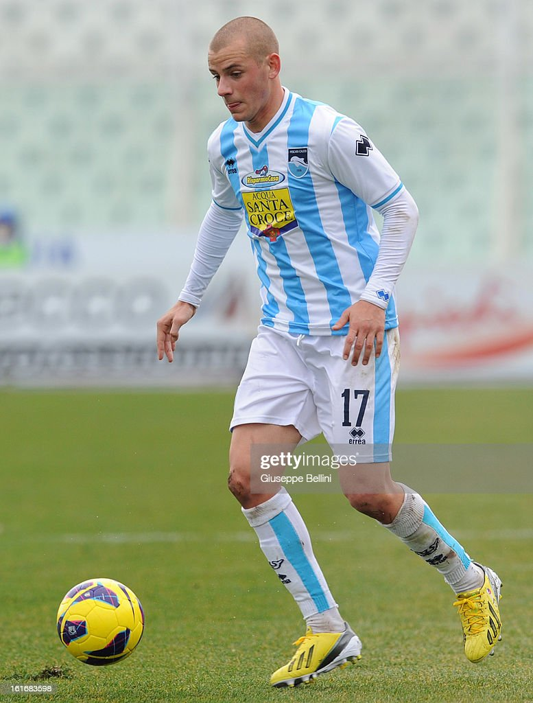 Vladimir Weiss of Pescara in action during the Serie A match between Pescara and Bologna FC at Adriatico Stadium on February 3, 2013 in Pescara, Italy.