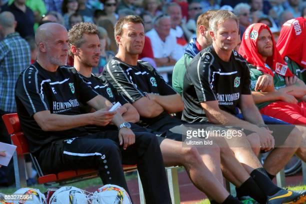 Frontzeck Michael Trainer von Hannover 96_JanMoritz Lichte_Christoph Dabrowski und TW Trainer Jörg Sievers Aus Freundschaftsspiel Oberligist 1 FC...