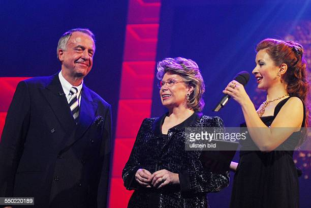 Bernd Neumann Viviane Reding und Moderatorin Loretta Stern während der Verleihung der SHOOTING STAR AWARDS 2007 im Rahmen der 57 Internationalen...