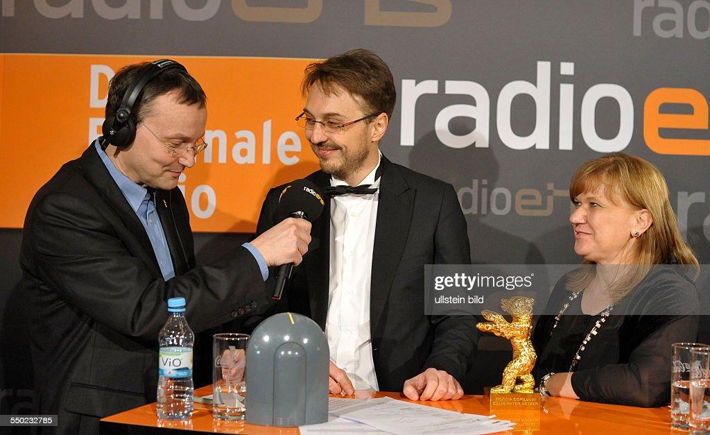 Moderator Knut Elstermann Regisseur Calin Peter Netzer und Produzentin Ada Solomon mit dem Goldenen Bären für den rumänischen Film Child's Pose...