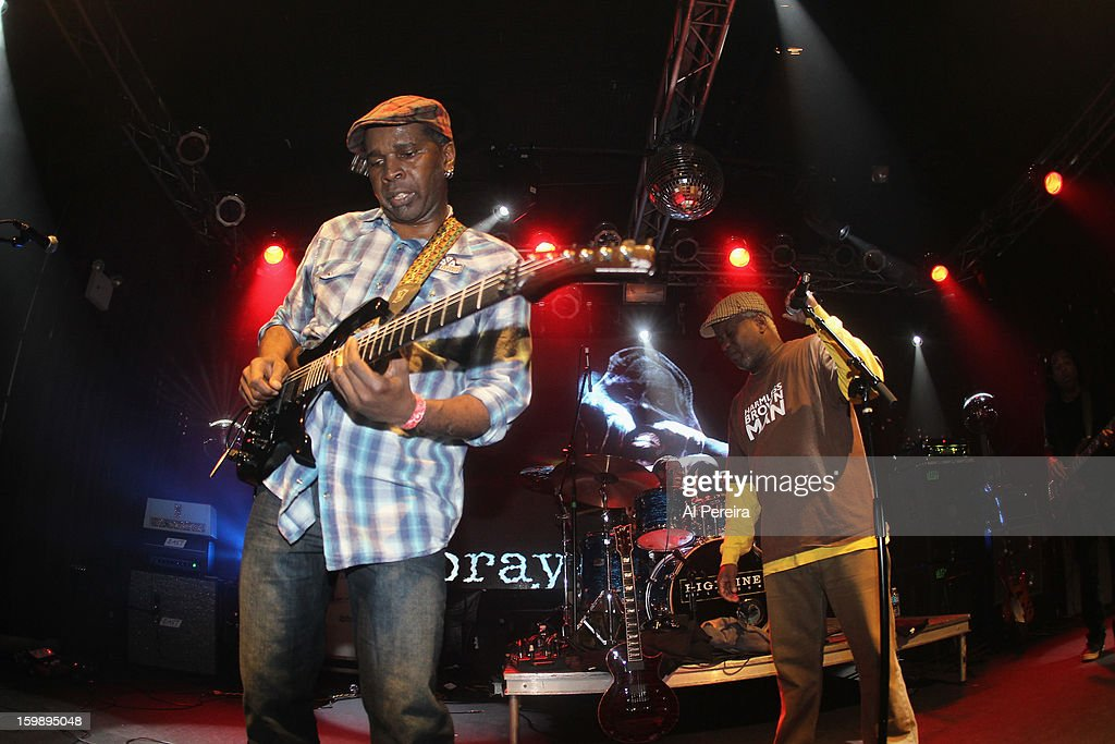 Vocalist <a gi-track='captionPersonalityLinkClicked' href=/galleries/search?phrase=Corey+Glover&family=editorial&specificpeople=626072 ng-click='$event.stopPropagation()'>Corey Glover</a> and Guitarist <a gi-track='captionPersonalityLinkClicked' href=/galleries/search?phrase=Vernon+Reid&family=editorial&specificpeople=626078 ng-click='$event.stopPropagation()'>Vernon Reid</a> and Living Colour performs during The Million Man Mosh II at the Highline Ballroom on January 21, 2013 in New York City.