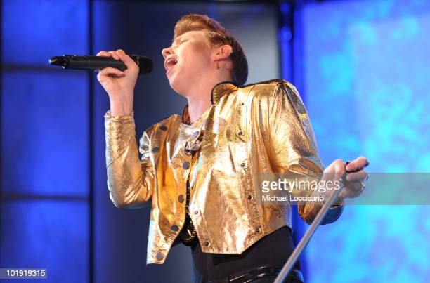 Vocalist Elly Jackson of La Roux performs on ABC's 'Good Morning America' at ABC Studios on June 9 2010 in New York City